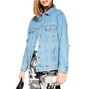 TOPSHOP RIP ELBOW JEAN JACKET 🎀IN STORES🎀